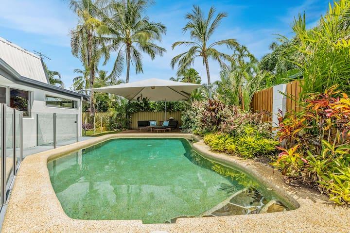 🌺Tropical Beachside Home | Pool | WiFi