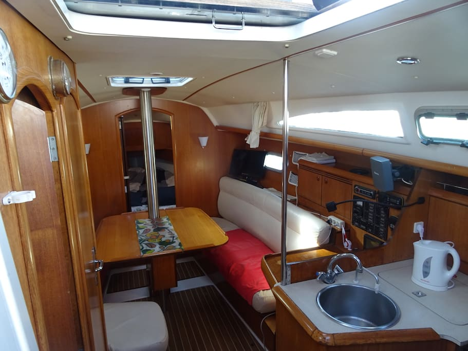 Chambres d 39 h tes bateau quai menton boats for rent in for Chambre d hote menton