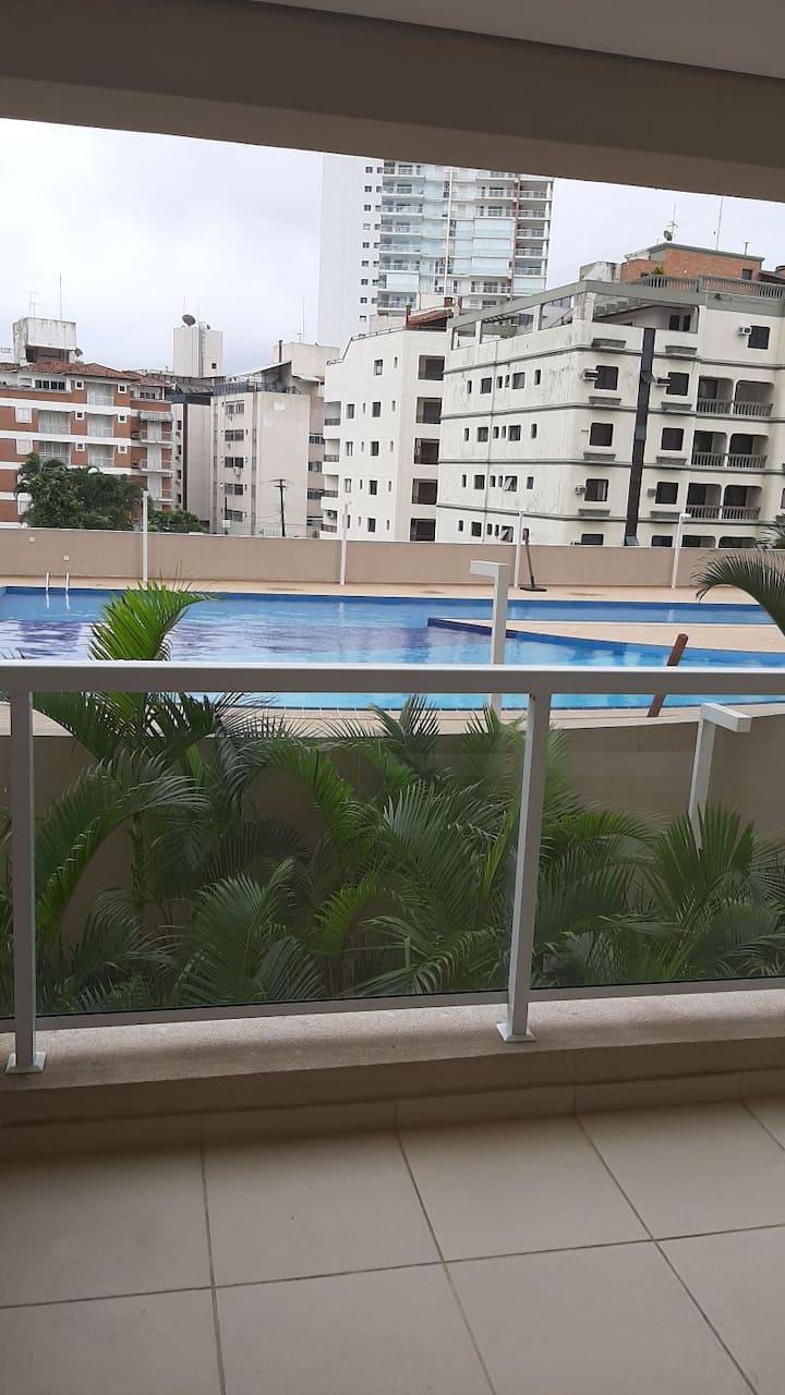 Apto na maior praia do Guarujá   Enseada _Tortuga