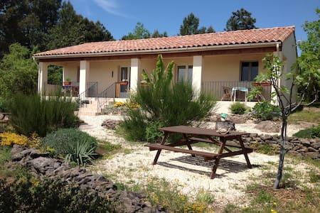 Le Sourire du Soleil, Chassiers, Ardèche - Chassiers - Cabane