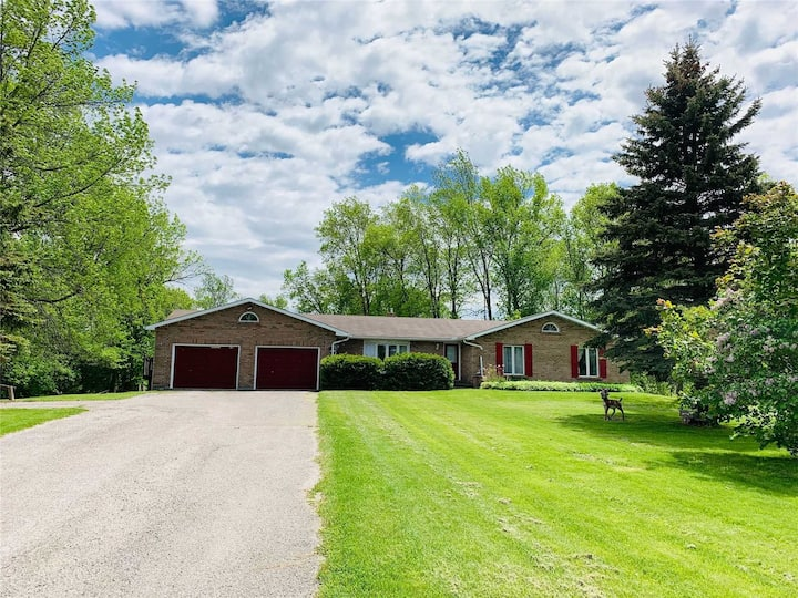 Bungalow( 1.3 hrs from Toronto)+ 100 acres of land
