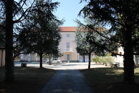 """Villa Goria """"Appartamento con Vista Giardino"""""""