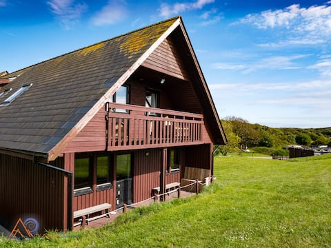 Ty Pen, Rustic Chalet near the Beach