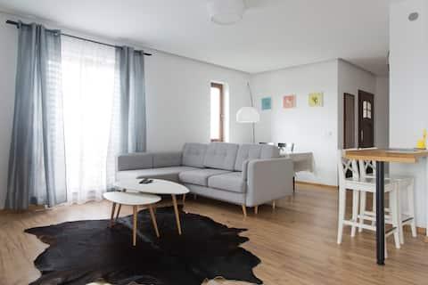 Sunny, super spacious and quiet apartment