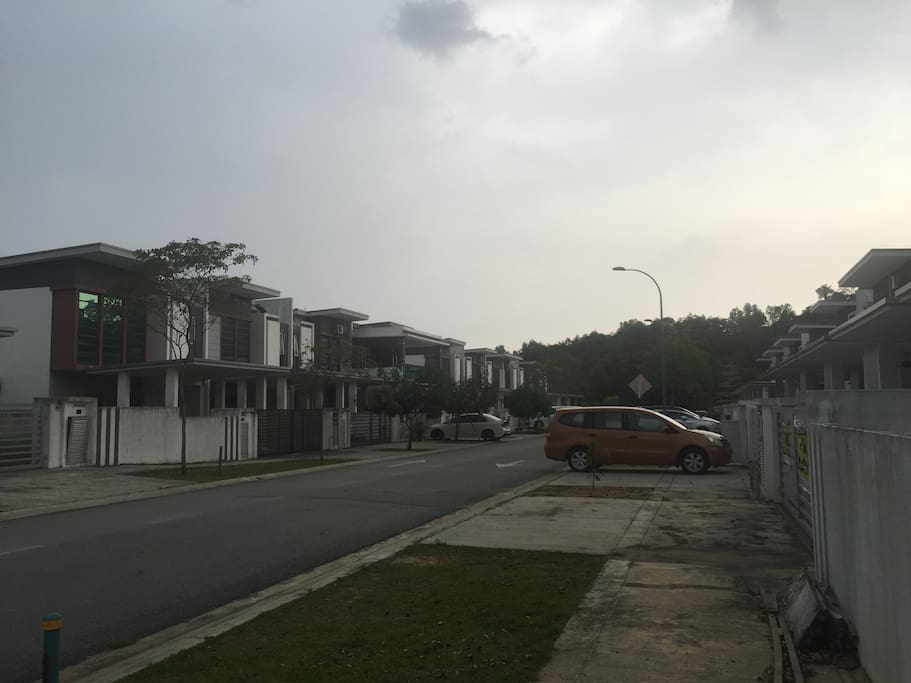 very quite street. a residential area for urban professional