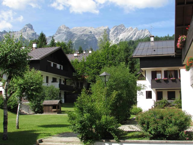 Dolomites 2bd with parking - Pralongo