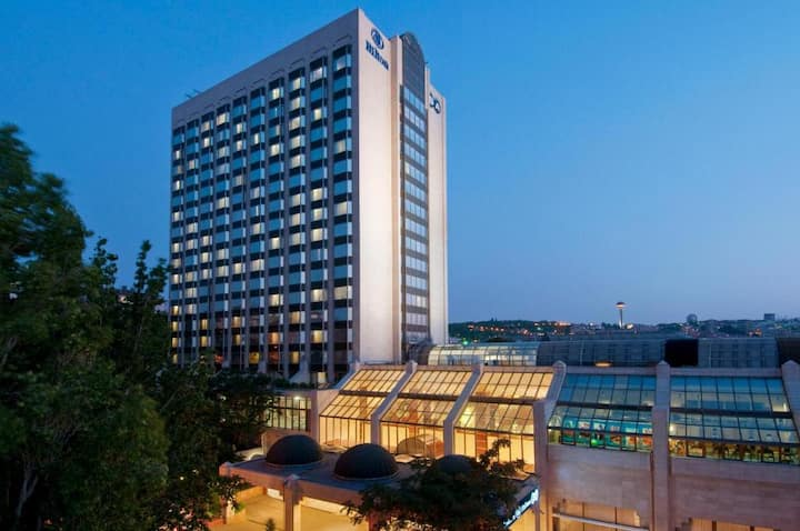 R 1544 Ankara Hilton Sa Hotel with  Steam Room, Barbecue grill, And Spa Treatment Room