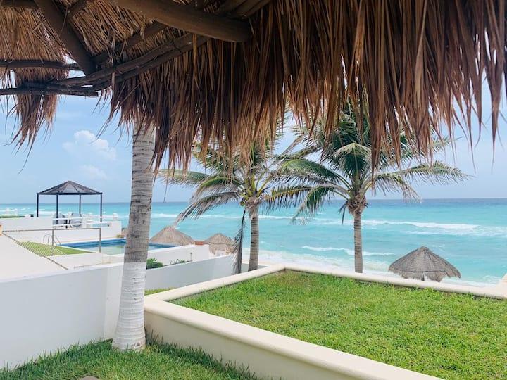 Brisas Beachfront Studios in Hotel Zone