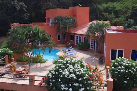 Cozy country house near playa blanca