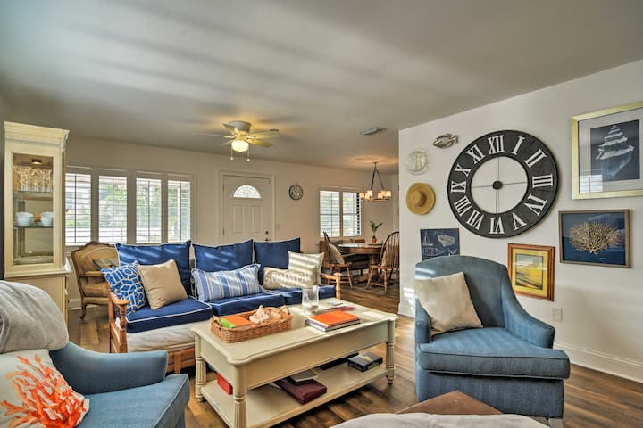 Welcoming Redington Beach Home w/ Furnished Patio!