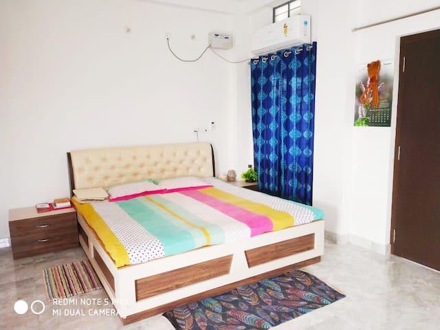 Vardhan House