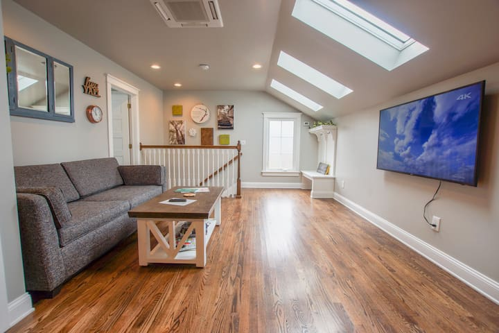 Want to relax in your own spacious, private, and beautifully appointed space?  Put your feet up & read a book, play some games, or watch TV. Need to recharge? Take an endless shower or turn on the white noise & cozy into your super comfy queen bed.