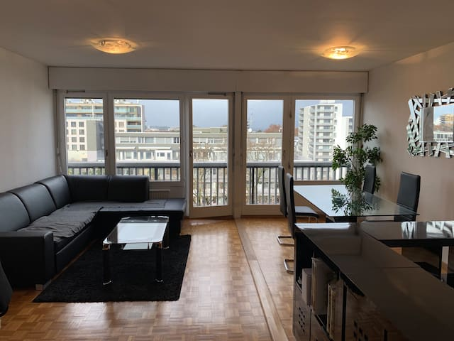 Beautiful 1 Bedroom Apartment Close To The Centre