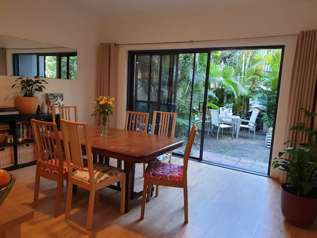 Light and bright 2BR terrace in Ultimo