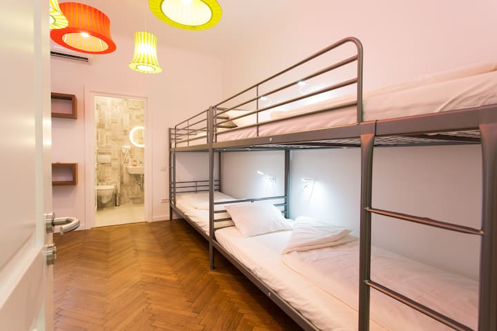 6 Dormitory Bedroom in First Hostel Bucharest