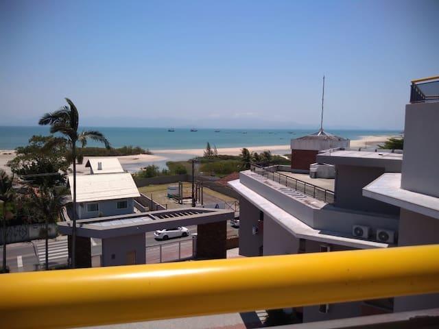Apto à 50 m do mar de Ponta das Canas