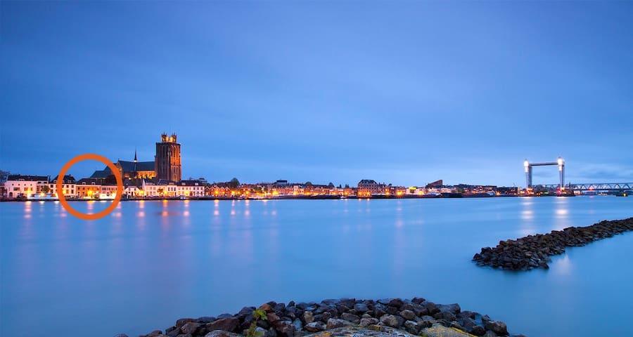 4 p. Hooikade Dordrecht - Dordrecht - Pis