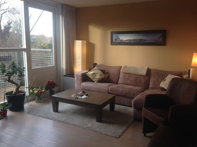 2 bedroom apartment, with canal and Dom tower view - Utrecht - Leilighet