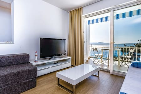 Apartment Marta -Crikvenica/Selce,50m from the sea - Selce - Apartment