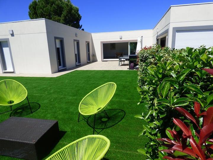 Villa standing 170m2 piscine, spa, mer/montagne