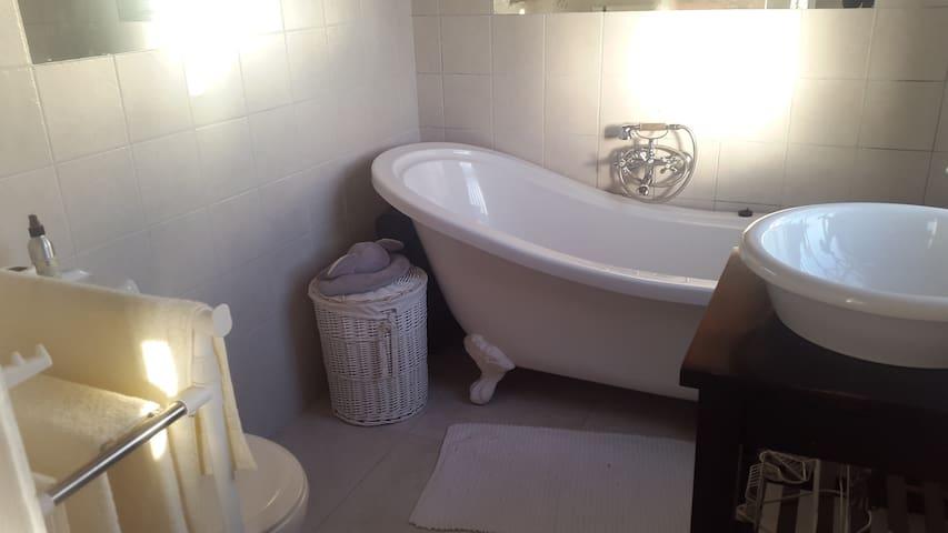 """Yzerfontein """"get-away"""" accommodation - Yzerfontein - House"""