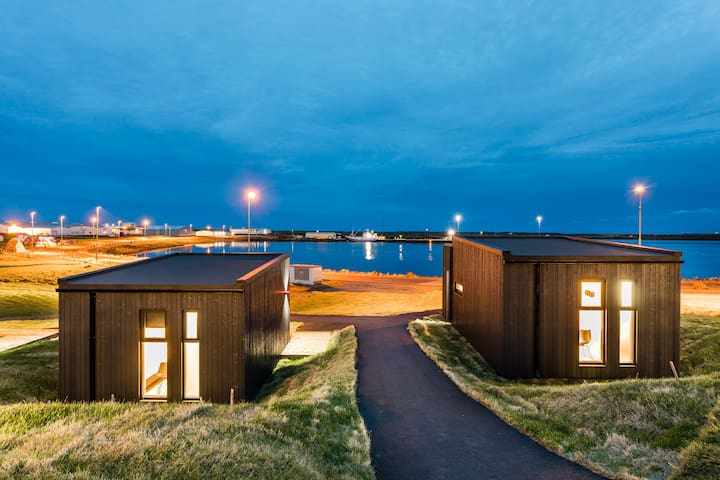 Grindavik Harbour View Cabin