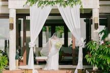 Stunning bride and stunning location.