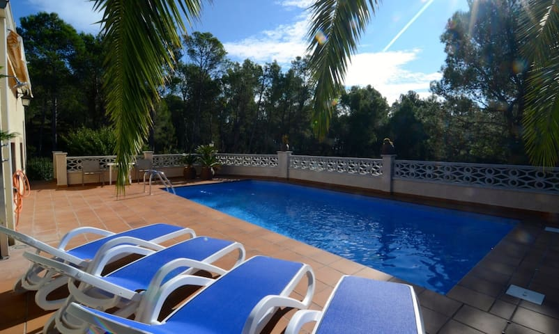 Great villa with large terrace, private pool+WiFi