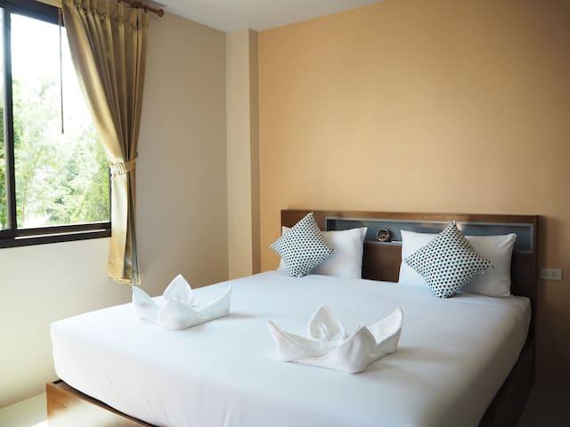 Regent Room Double (2)