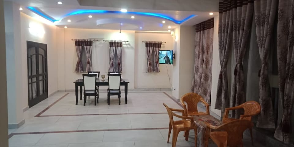 Exclusive Penthouse Guest House Pink Room