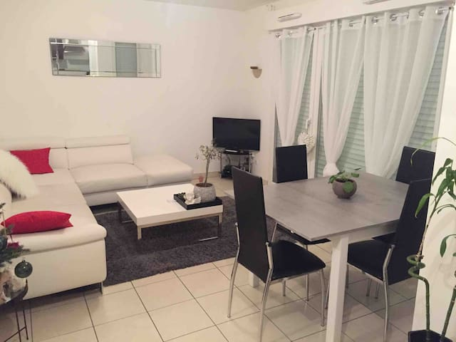 Joli appartement RDC 45m2 +terasse, jardin, garage