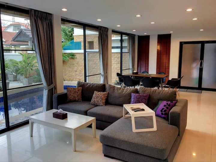 4 Poolvillas Villa 2 Wong Amat Beach Naklua