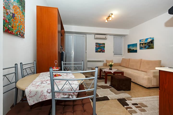 Coda Apartment in the center of Ohrid by the lake