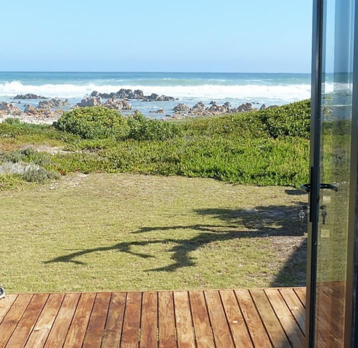 Agulhas - Tip of Africa Seafront Cottage Annexe