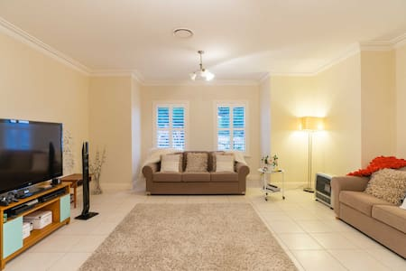 Immaculate new clean double room. - Maison