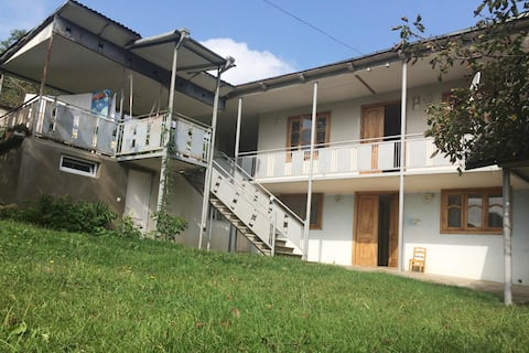 House near to main road, Ubisa.
