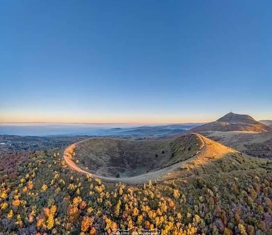 Gîte au pied des Volcans d'Auvergne Chambre Larode