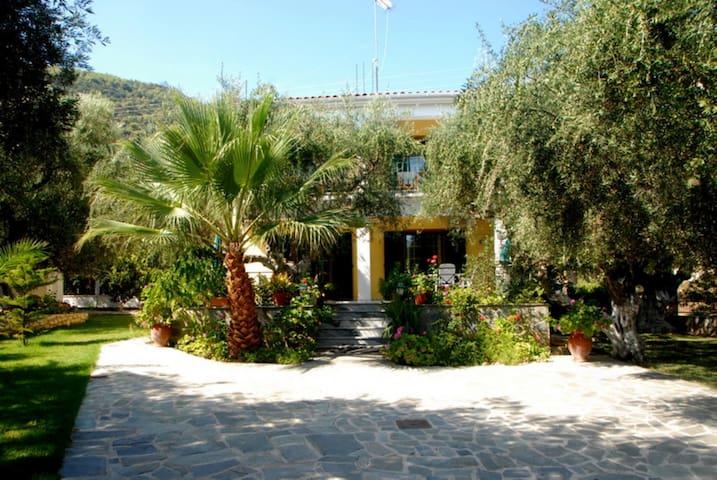 Annoula Dio - Limni Keriou - Apartament