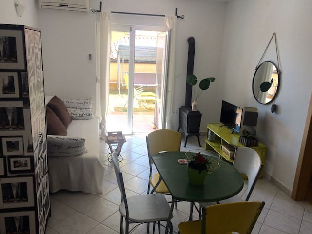 Apartment/Garden/Close to the Beach - Peroj - Appartamento