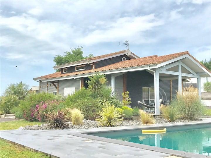 Maison 160 m² - terrain 3200m2 - piscine- 4ch -8p.