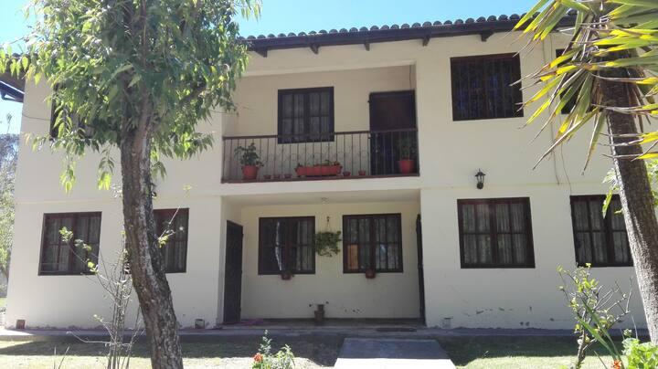 Hermosa casa 4 habitaciones  Quito Norte .