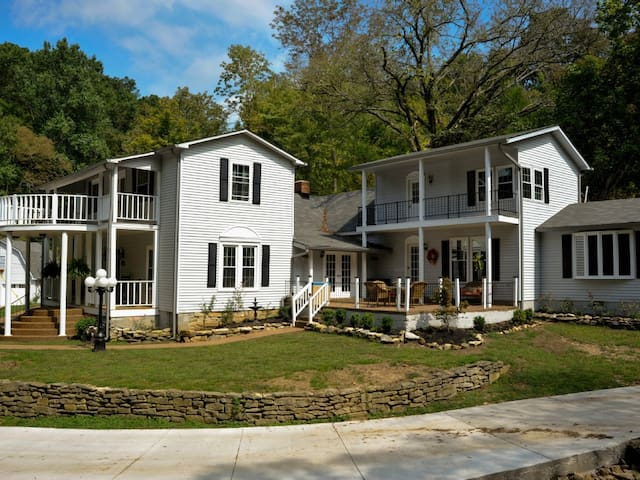 Duffer Hollow: Southern country, modern amenities - Bethpage - Casa