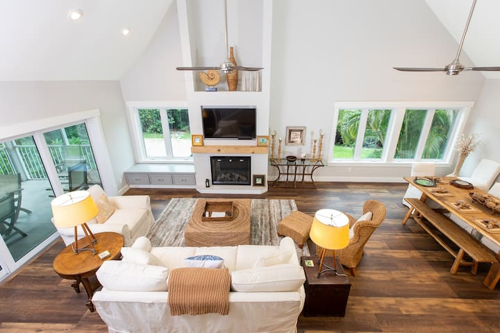 LUXURY STYLE HOME ON SANIBEL WITH GULF VIEWS! BADGER BEACH