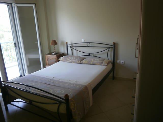 Διαμέρισμα στο Μαραθιά Φωκίδας-VICKY - Marathias - Appartement