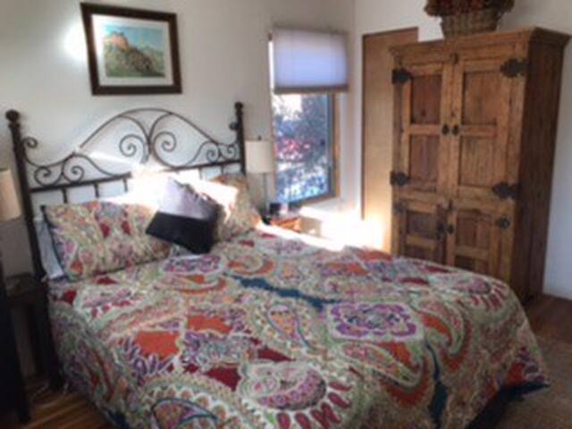 Cozy Santa Fe Home in Casa Solana