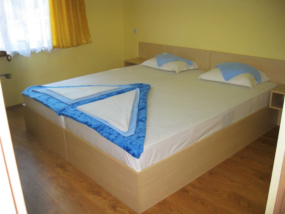 Спальная - 3 одноместные кровати