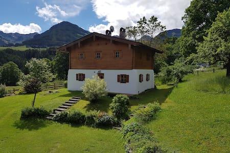 Romantisches Haus mit Charme - Aurach bei Kitzbühel