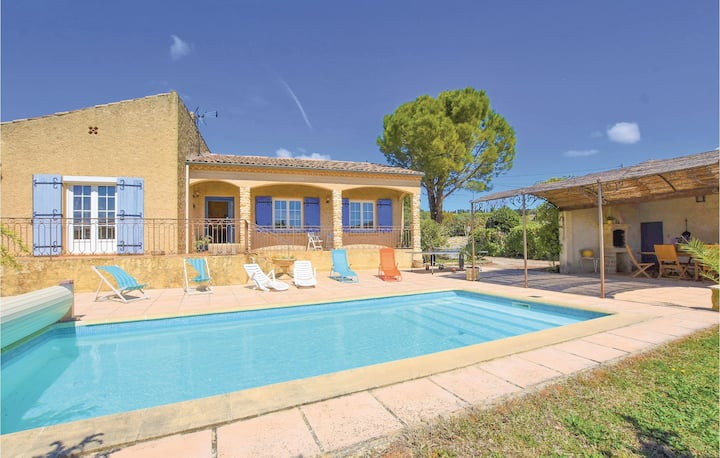 Holiday cottage with 5 bedrooms on 180m² in Cairanne