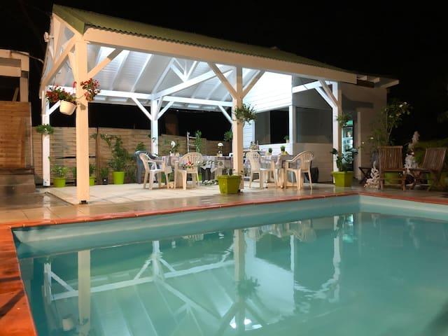 Villa Vert passion à 200 mètres de la plage