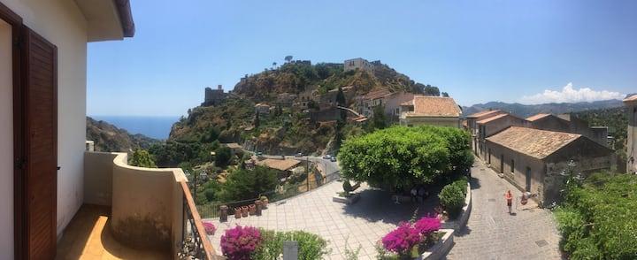 casa vacanze a Savoca due passi da Taormina